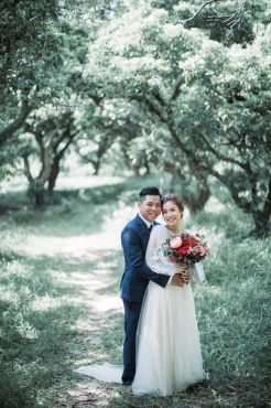Mini & Vincent | outdoor prewedding shoot, photo by Mary Ann Art & Photography