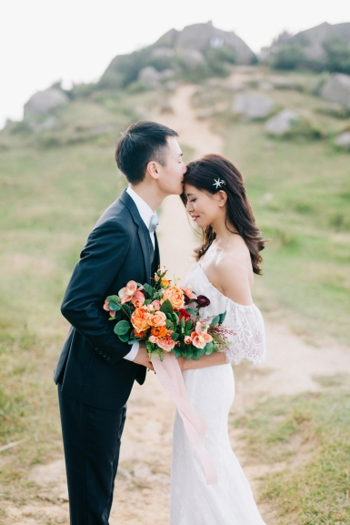 Yetta & hubby | outdoor engagement by Tammy Shun Photography